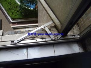 維修後 新不銹鋼窗鉸