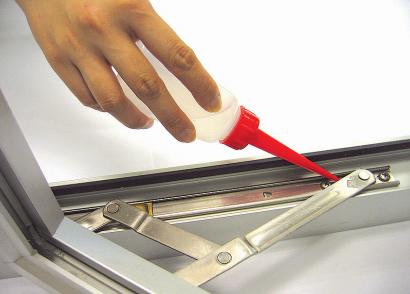 可添加適量窗鉸潤滑油